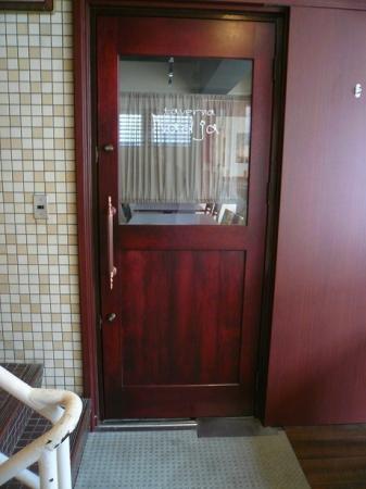 店舗入り口ドア