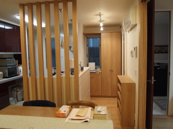 キッチン横目隠し、奥の収納製作