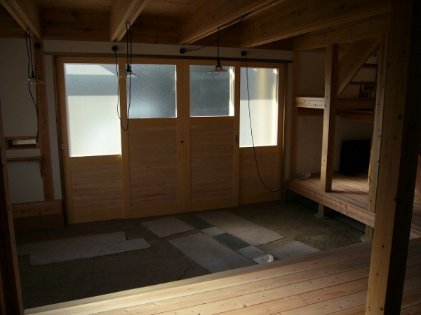 木製玄関 内部